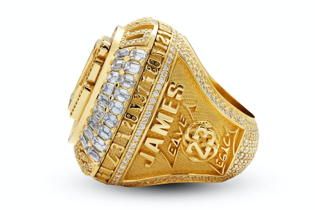 LeBron James' Championship Ring for 2020, featuring the Black Mamba Around the Player Number